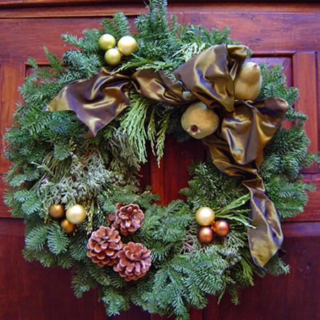 Elegant Wreath around the Block