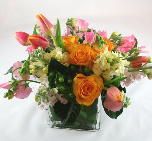 Creme di Basque Flower Arrangement | San Francisco Florist Since 1871 Free Bay Area and San Francisco Flower Delivery